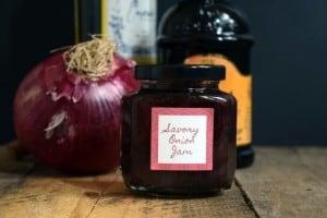 jar-of-onion-jam-e1440162064329