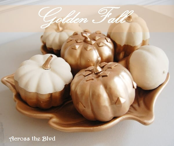 gold-tray-and-pumpkins-2