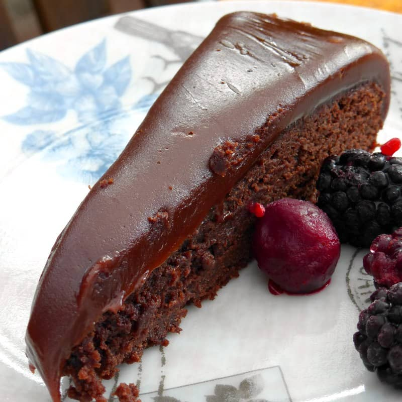Kladdkaka-with-a-fudgy-topping1