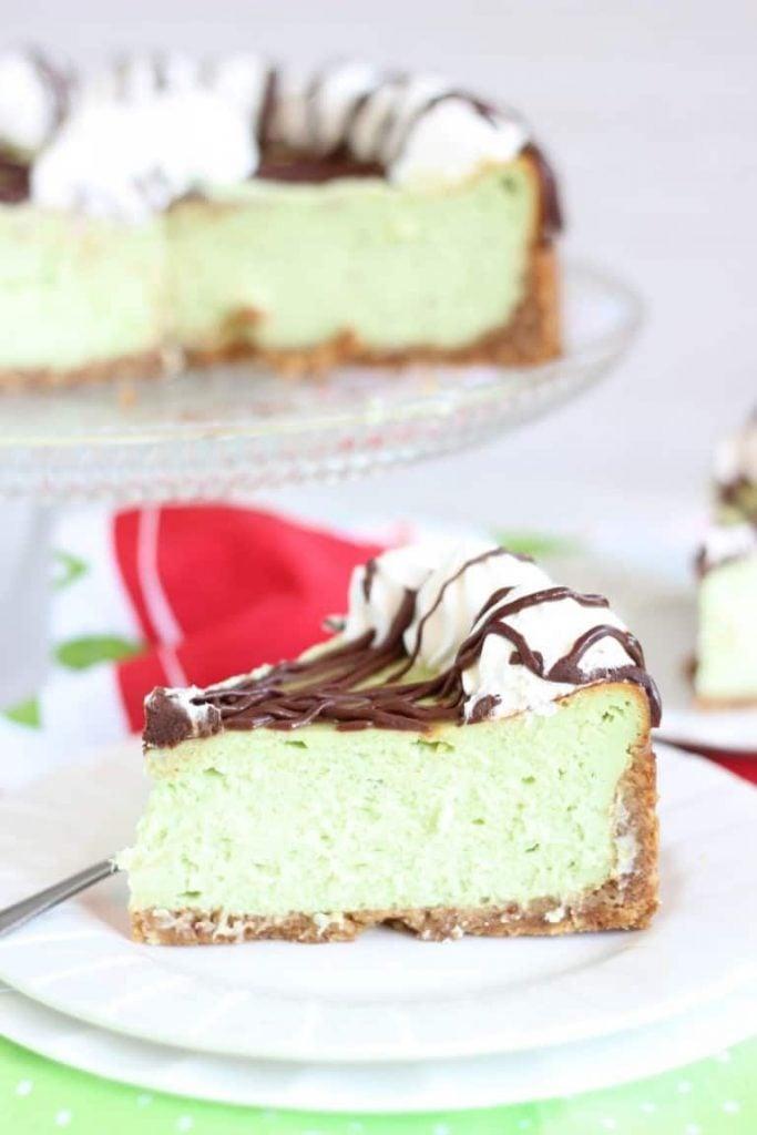 amaretto-pistachio-cheesecake-10-768x1152