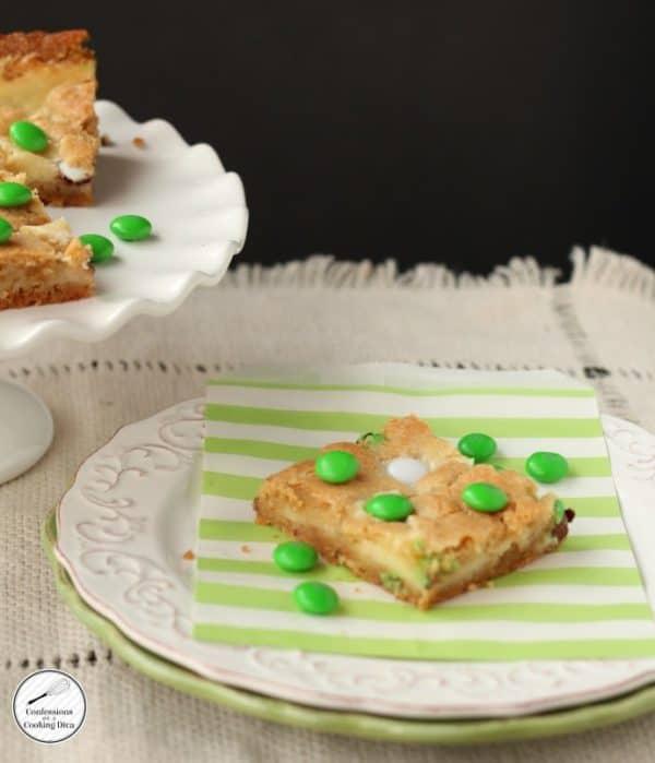 MM-Cheesecake-cookie-bars-690x804