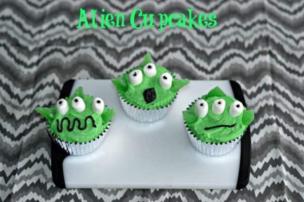 alien-cupcakes-3