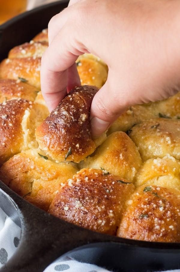 Bacon Jalapeo Popper Stuffed Monkey Bread
