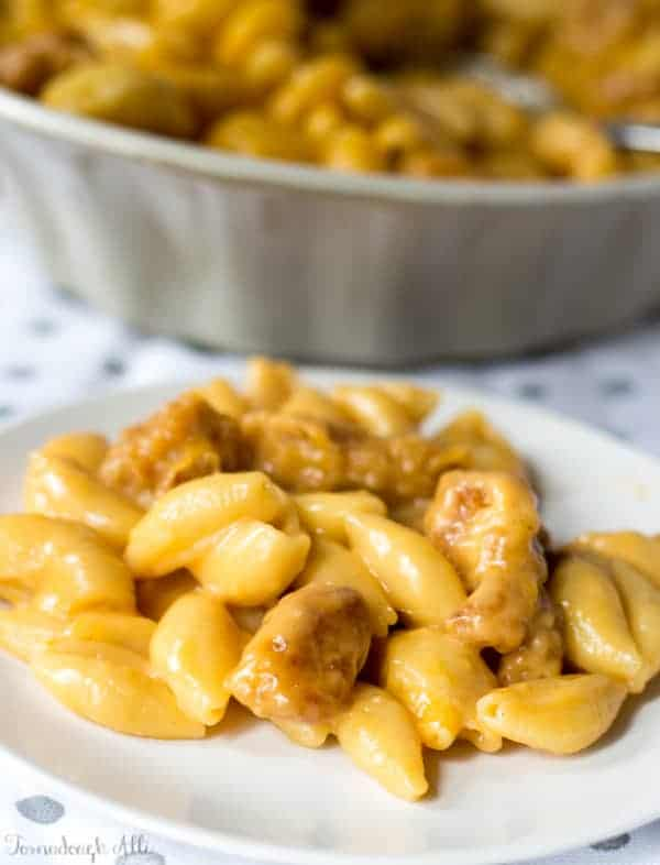 Wingers Sticky Finger Mac and Cheese on white plate