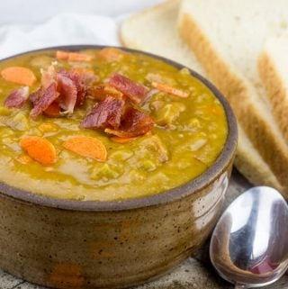 Slow Cooker Ham and Bacon Split Pea Soup