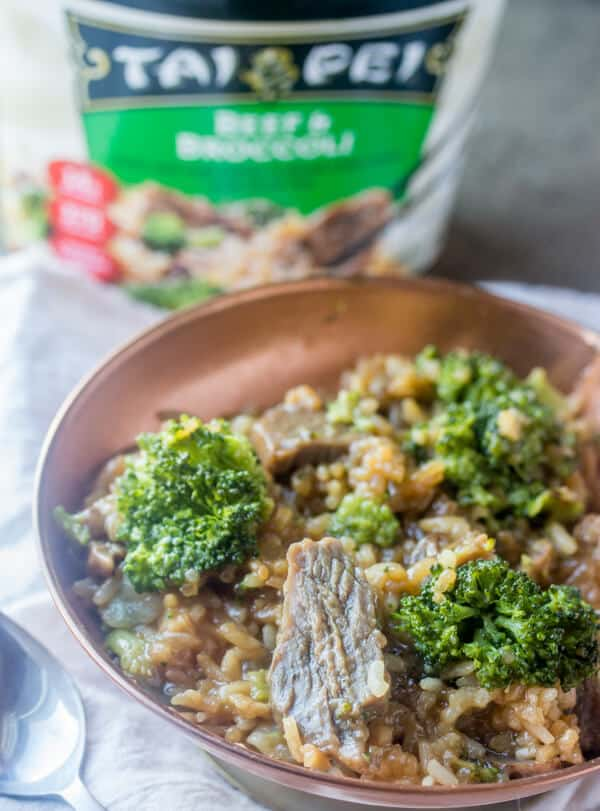Easy Dinner Solutions {Quick Easy Meal When Short on Time} Easy, quick and delicious these Tai Pei single serve entrees are the perfect Easy Dinner Solution!
