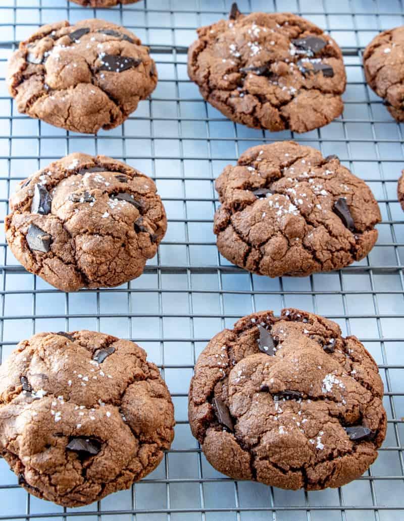 Nutella cookies on cooling rack