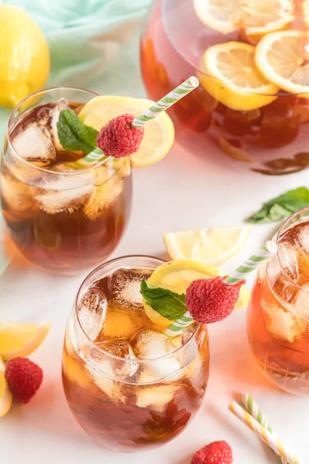 Overhead photo of sweet tea in serving glasses