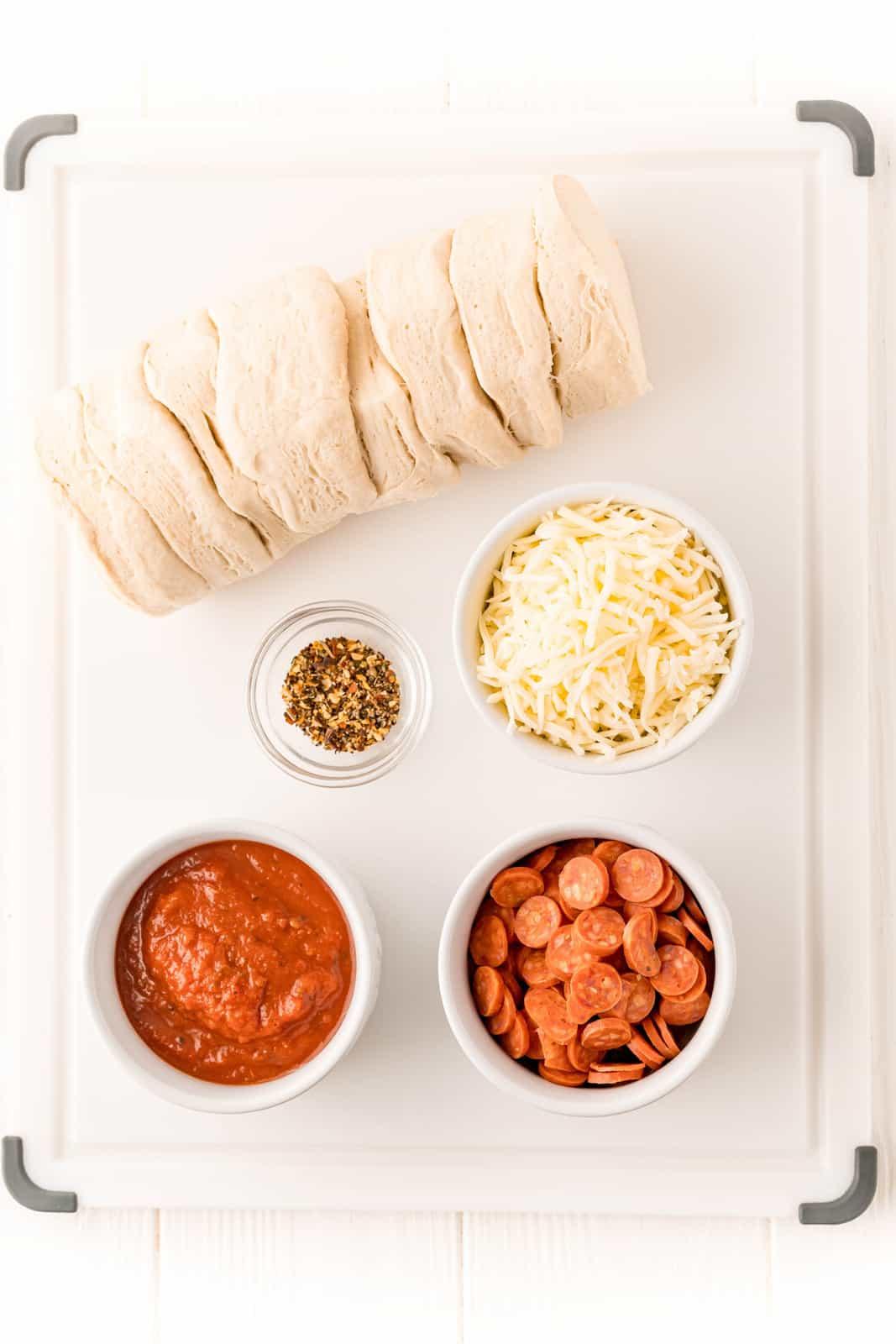 Ingredients needed to make Air Fryer Pizza