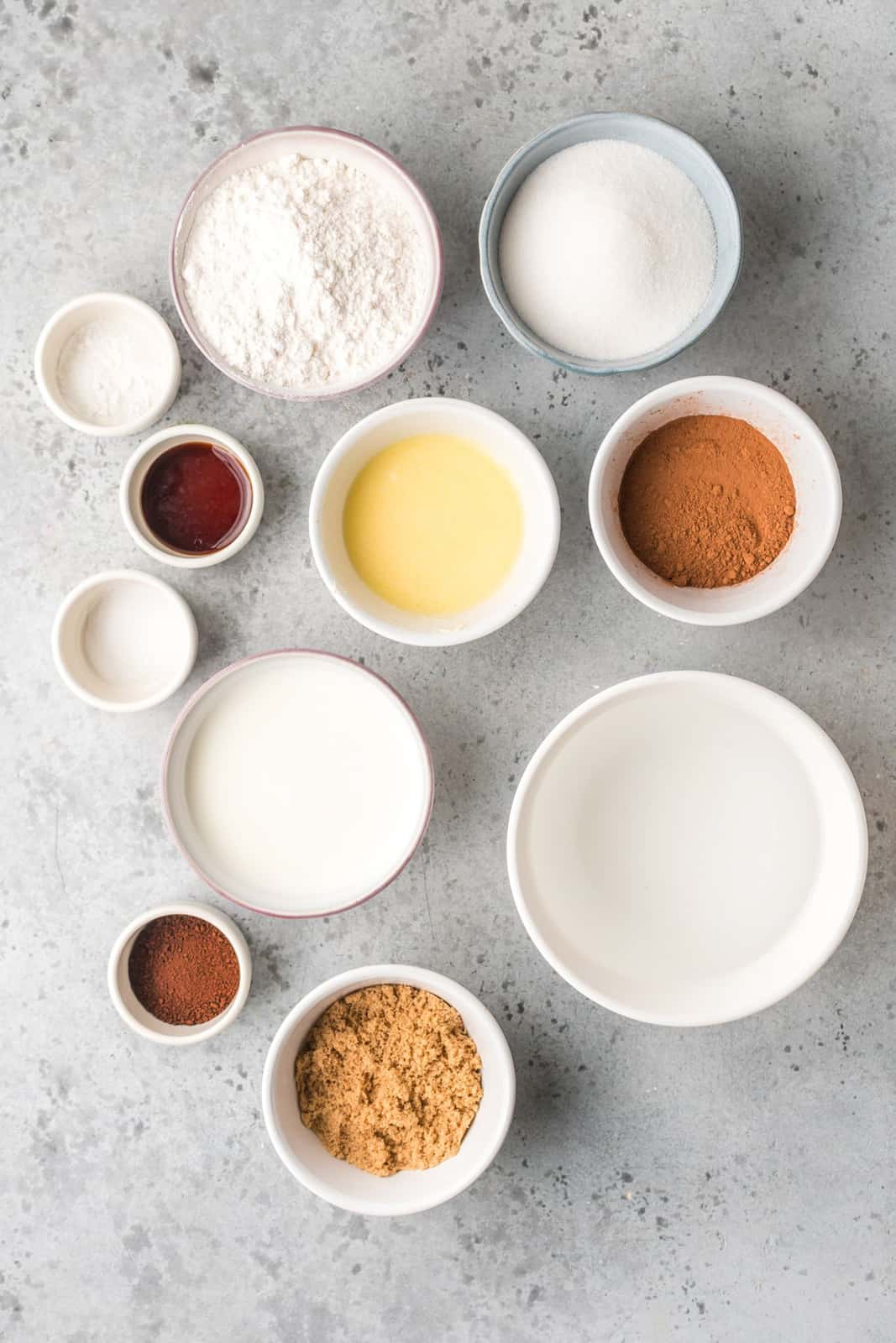 Ingredients needed to make a Pudding Cake