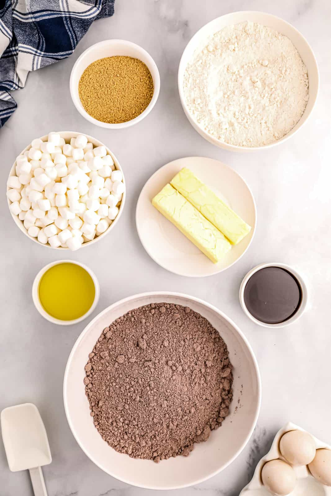 Ingredients needed to make S'mores Bars