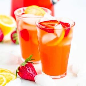 Square image of two glasses for Lemonade