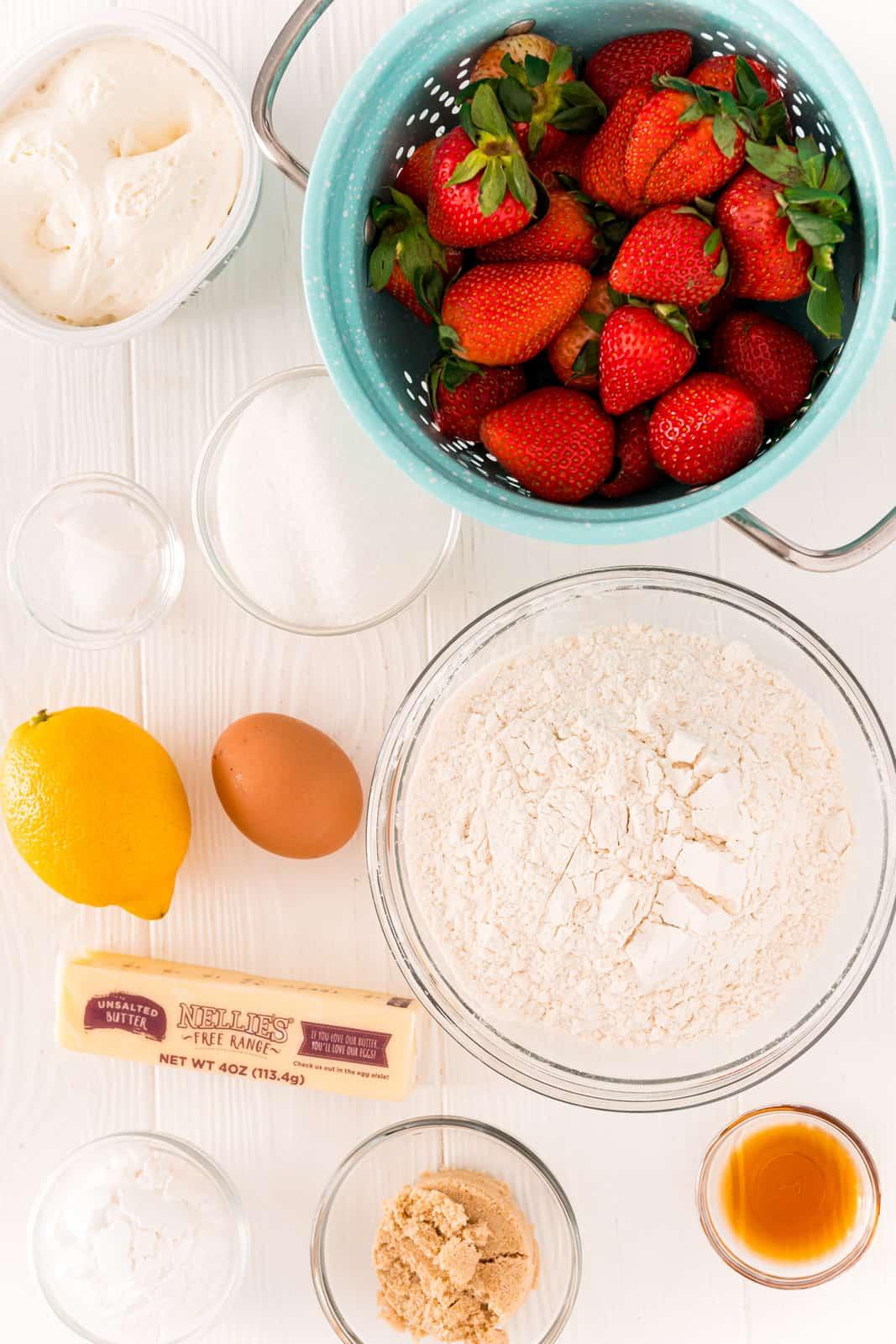 Ingredients needed to make Strawberry Shortcake Bars