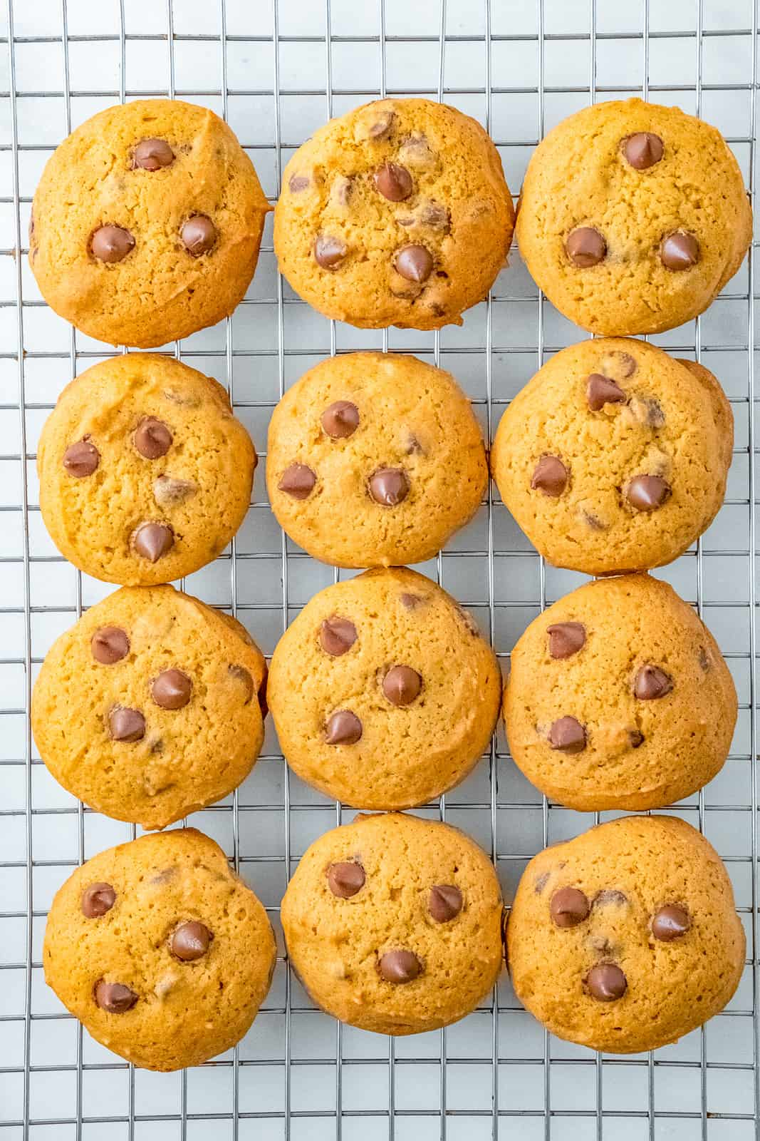 Cookies overhead cooling on wire rack