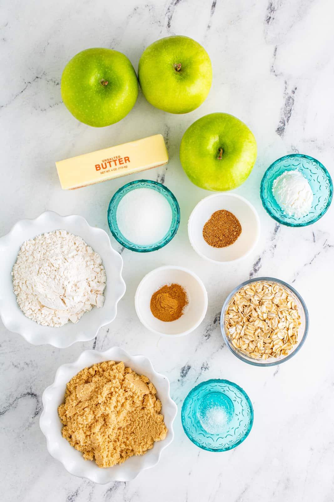 Ingredients needed to make Easy Apple Crisp.