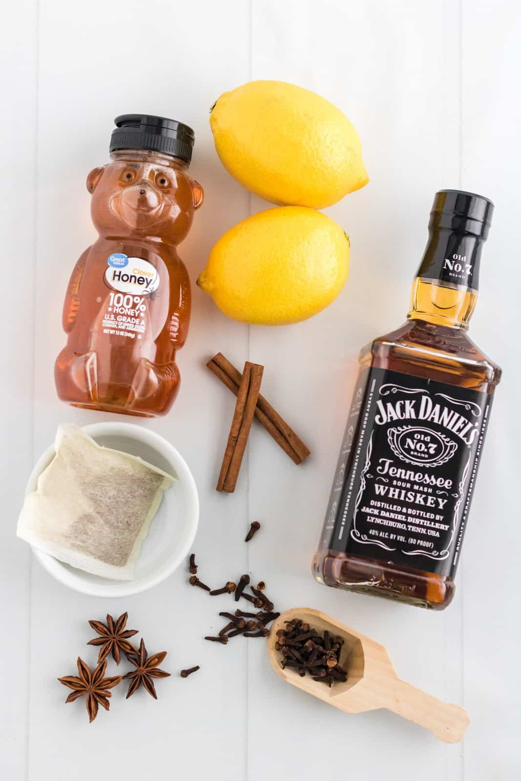 Ingredients neded to make a Hot Toddy.